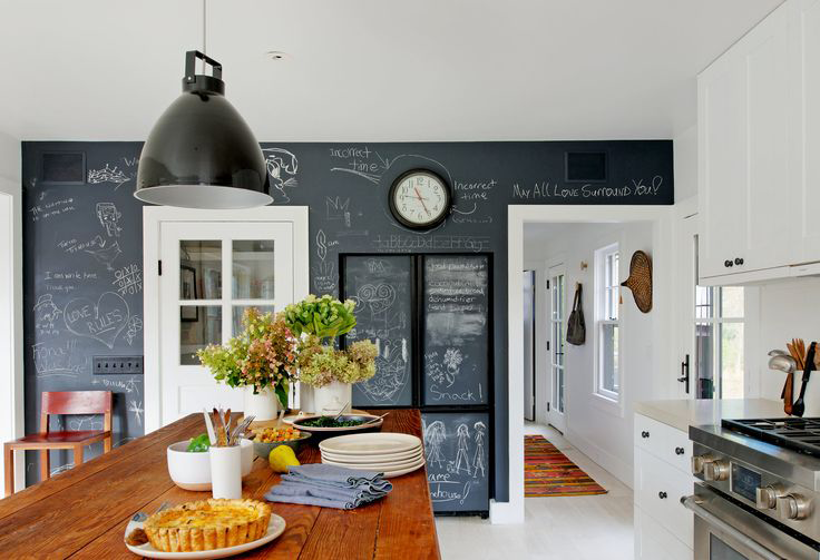 farmhouse-with-mid-century-modern-furniture-and-industrial-touches-4